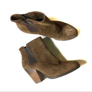 Vince Camuto Suede Brown Boots 7.5B
